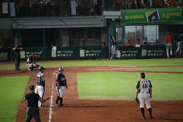 IMG_3786.JPG - 20180414台南球場烤肉