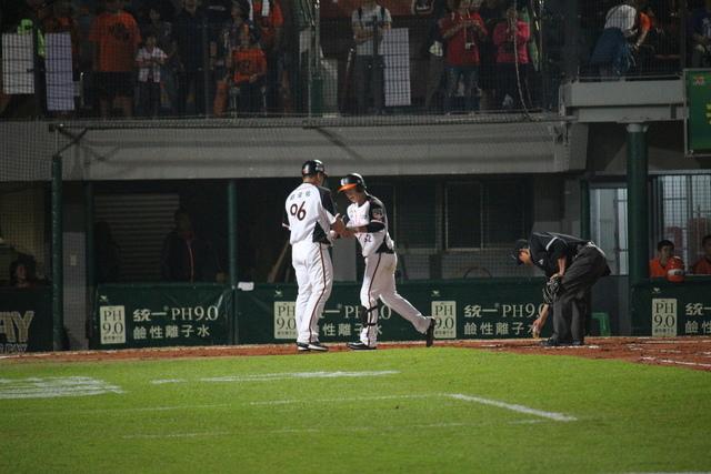 IMG_1574.JPG - 20180325台南 統一vs富邦