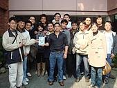 FEB 2008新春愉快:一群不認識的人><
