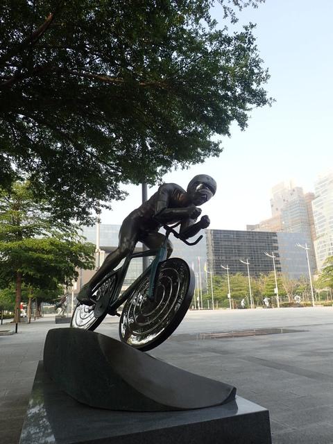 P5127456.JPG - 台中  新市政大樓  晨光
