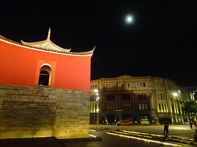 P8246943.JPG - 夜遊台北城之  北門