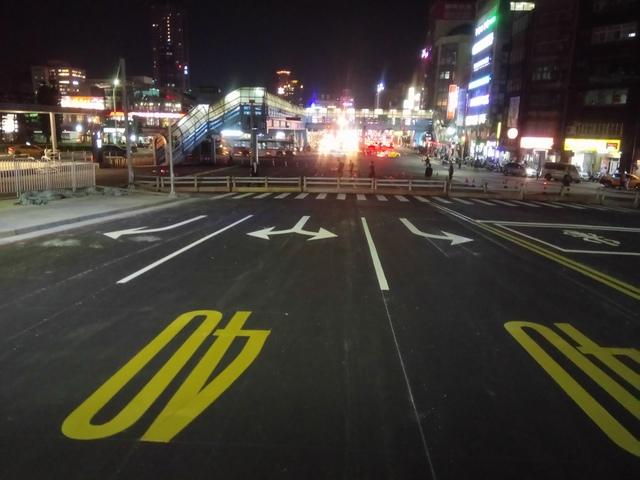 DSC_8084.JPG - 基隆  新火車站 夜景色