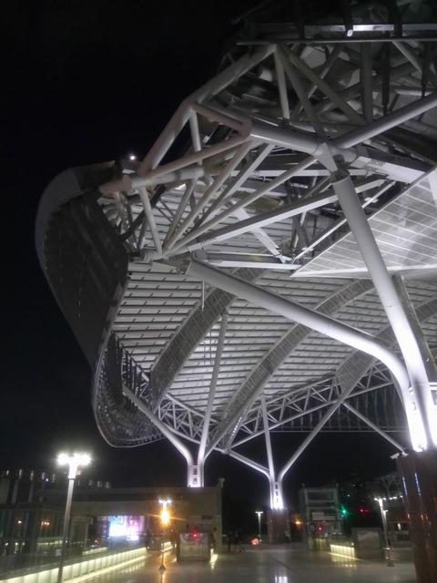 DSC_8860.JPG - 台中新火車站  夜色