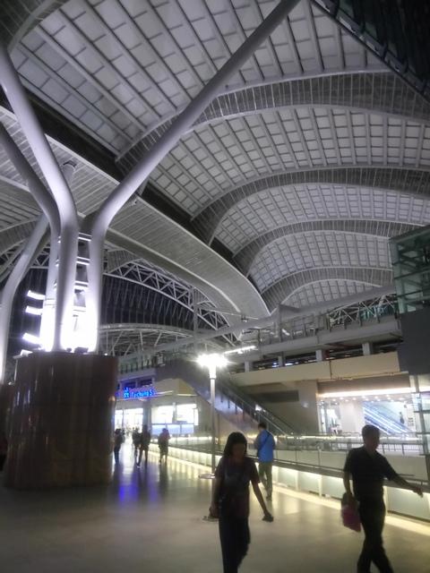 DSC_8863.JPG - 台中新火車站  夜色
