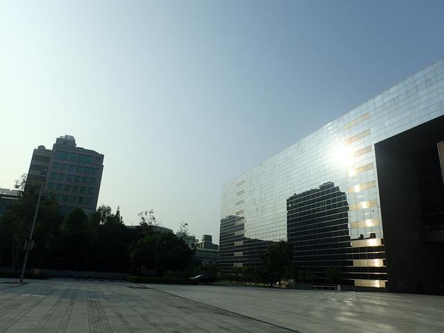P5127470.JPG - 台中  新市政大樓  晨光