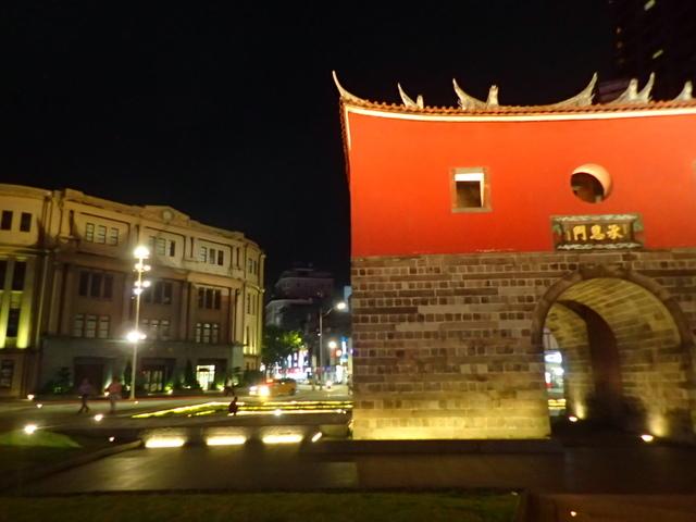 P8246948.JPG - 夜遊台北城之  北門