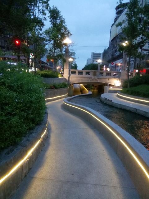 DSC_9974.JPG - 台中  街路隨拍  (15)