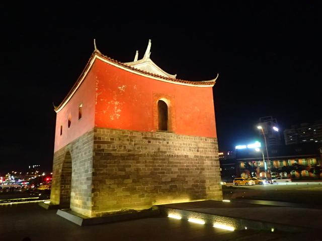 P8246933.JPG - 夜遊台北城之  北門