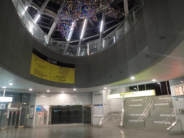 PA049424.JPG - 基隆  新火車站 夜景色