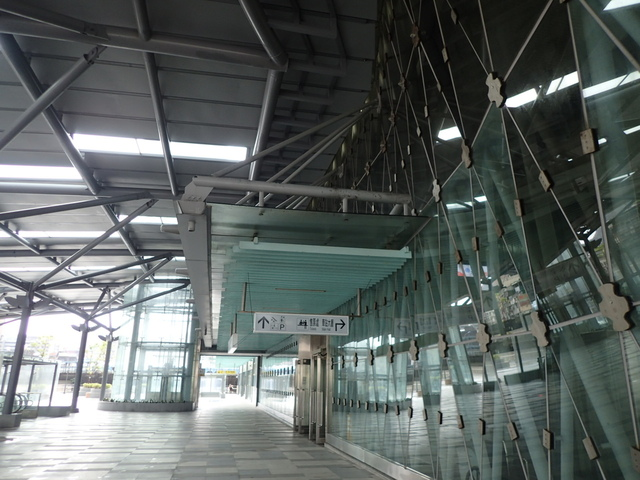 PB266237.JPG - 基隆  新火車站 夜景色