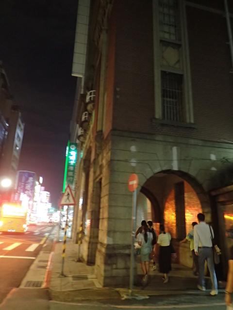 P8247026.JPG - 夜遊台北城之  榮町通