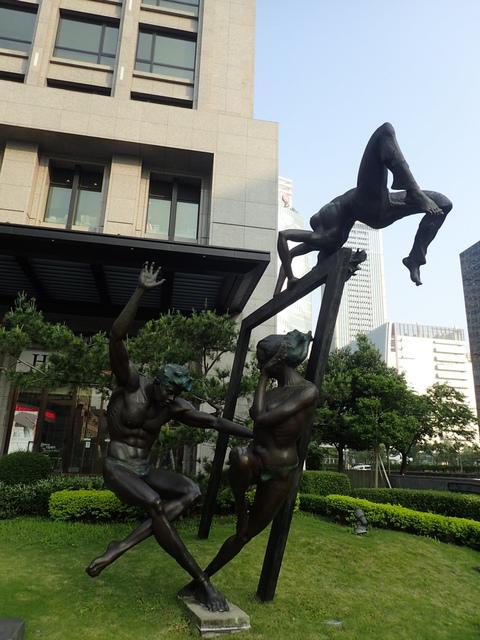 P5127478.JPG - 台中  新市政大樓  晨光
