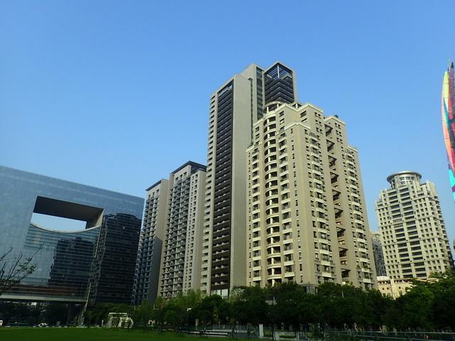 P5127494.JPG - 台中  新市政大樓  晨光