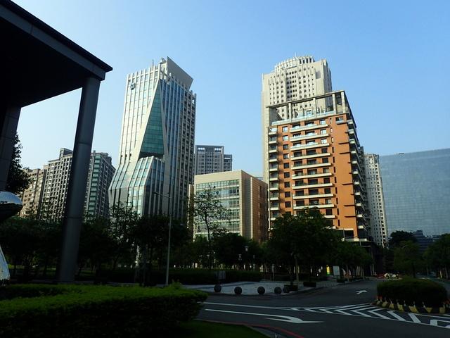 P5127498.JPG - 台中  新市政大樓  晨光