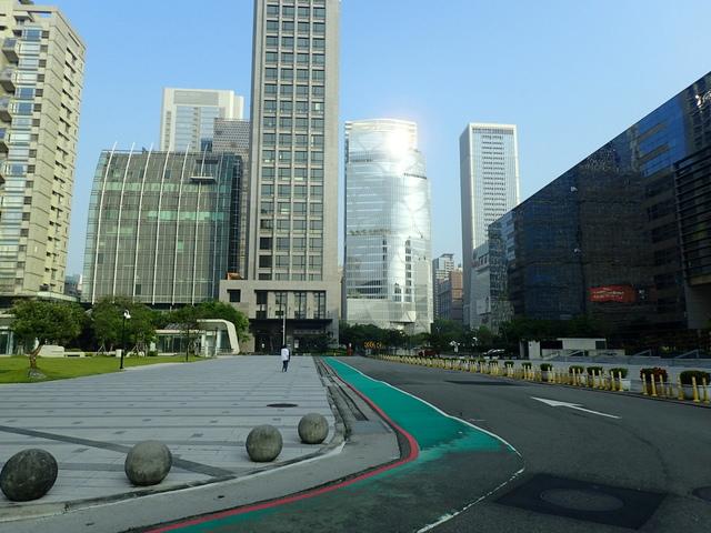 P5127502.JPG - 台中  新市政大樓  晨光