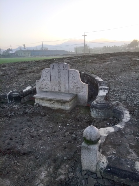 DSC_4363.JPG - 萬丹  太學生  李寵夫墓