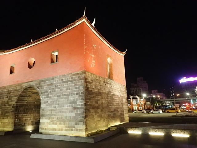 P8246936.JPG - 夜遊台北城之  北門