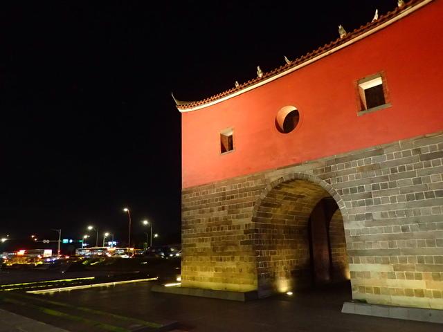 P8246937.JPG - 夜遊台北城之  北門