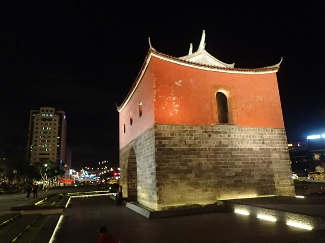 P8246934.JPG - 夜遊台北城之  北門