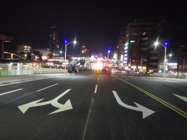 DSC_8082.JPG - 基隆  新火車站 夜景色