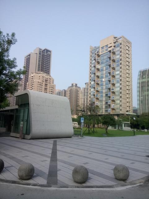DSC_1336.JPG - 台中  新市政大樓  晨光