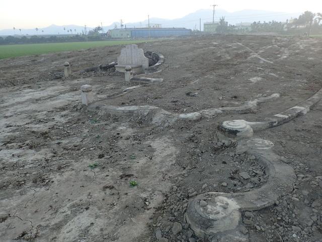 P2075373.JPG - 萬丹  太學生  李寵夫墓