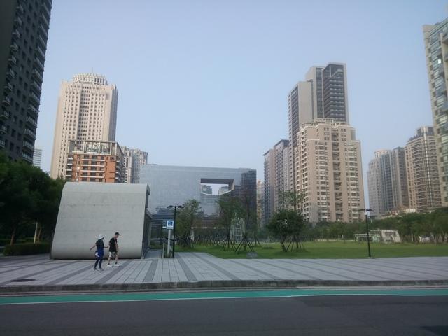 DSC_1339.JPG - 台中  新市政大樓  晨光