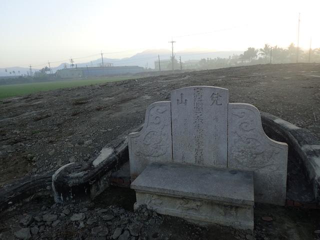 P2075402.JPG - 萬丹  太學生  李寵夫墓