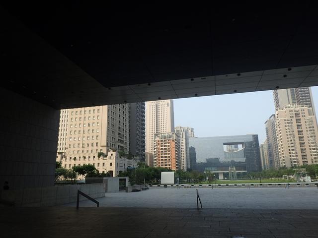 P5127442.JPG - 台中  新市政大樓  晨光