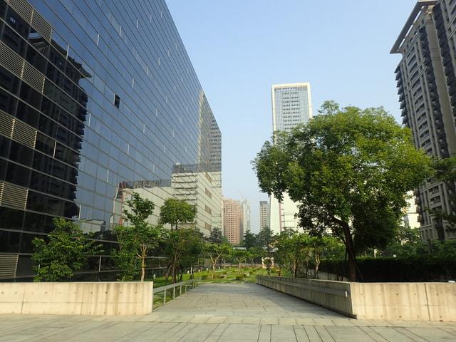 P5127475.JPG - 台中  新市政大樓  晨光