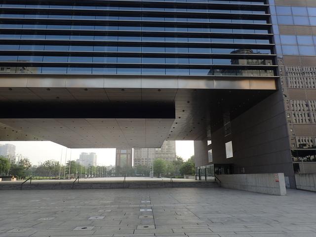 P5127439.JPG - 台中  新市政大樓  晨光