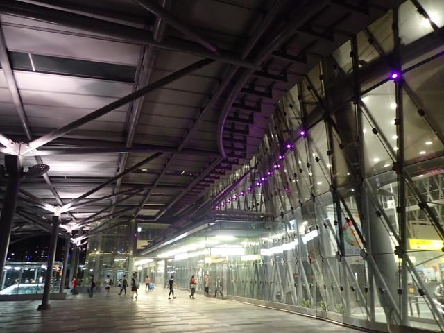 P9258617.JPG - 基隆  新火車站 夜景色
