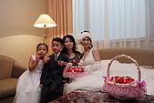 小叔訂婚結婚篇,表妹結婚篇:大嫂跟新娘子.JPG