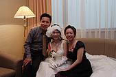 小叔訂婚結婚篇,表妹結婚篇:小姑夫妻與新娘子.JPG