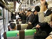 2007日本行(四):火車上超多人的啦= =