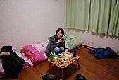 2008東京跨年:一進來小桌子就被我們塞慢東西XD