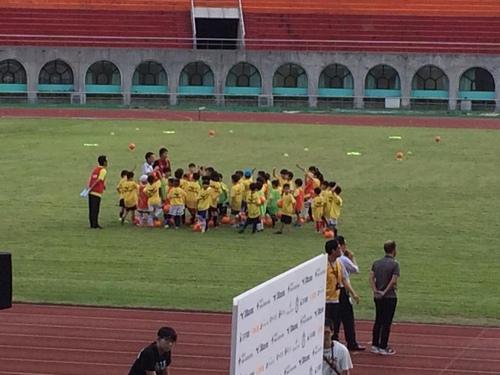 13417593_10210027948238982_2404825733100514529_n.jpg - 2016.6.8 本田圭佑足球學校首次來台灣