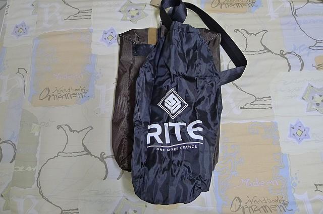 背包、垃圾桶、COACH、踢不爛、外套、正官庄、面紙盒:12.JPG