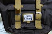 背包、垃圾桶、COACH、踢不爛、外套、正官庄、面紙盒:03.JPG