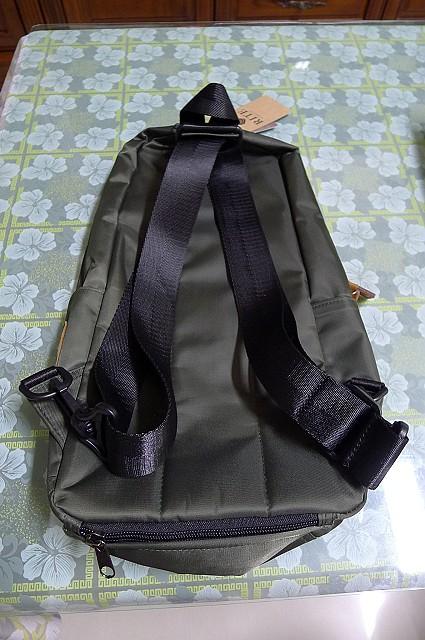 背包、垃圾桶、COACH、踢不爛、外套、正官庄、面紙盒:20.JPG