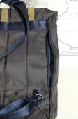 背包、垃圾桶、COACH、踢不爛、外套、正官庄、面紙盒:08.JPG