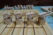 無印良品紓壓椅、乳膠枕、陶作坊、木頭象棋、牛頭牌碗、微波爐架、笛音壺、純鈦杯子吸管:61.JPG