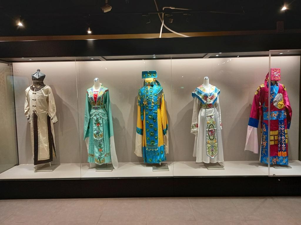 桃園土地公文化館:桃園土地公文化館的這個地方和香港文化館很像!.jpg