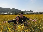 20091213新社花海+百菇莊....ㄏㄏ人比花嬌:調整大小IMG_7293.JPG