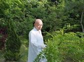 導師悲智聖相:大慈大智的   導師每日過著簡樸的農禪生活_3.jpg