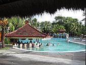 Bali:1000406峇里島Ramada Bintang飯店泳池-2.jpg