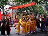 擁擠又吵雜的河內遊:適逢農曆年間~越南也有連續三天的慶祝活動