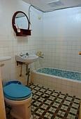 蘭嶼之風景人文篇:看到房間浴室我又暈了~ 誠心建議飯店把'國際'兩個字拿掉...