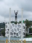嶄新銳變的新加坡二度遊:這站外的公園規劃的不錯~雖不知他在吊什