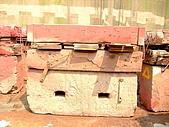 船舶進塢紀錄@廣州:塢墩特寫: 下方水泥+上方枕木所組成